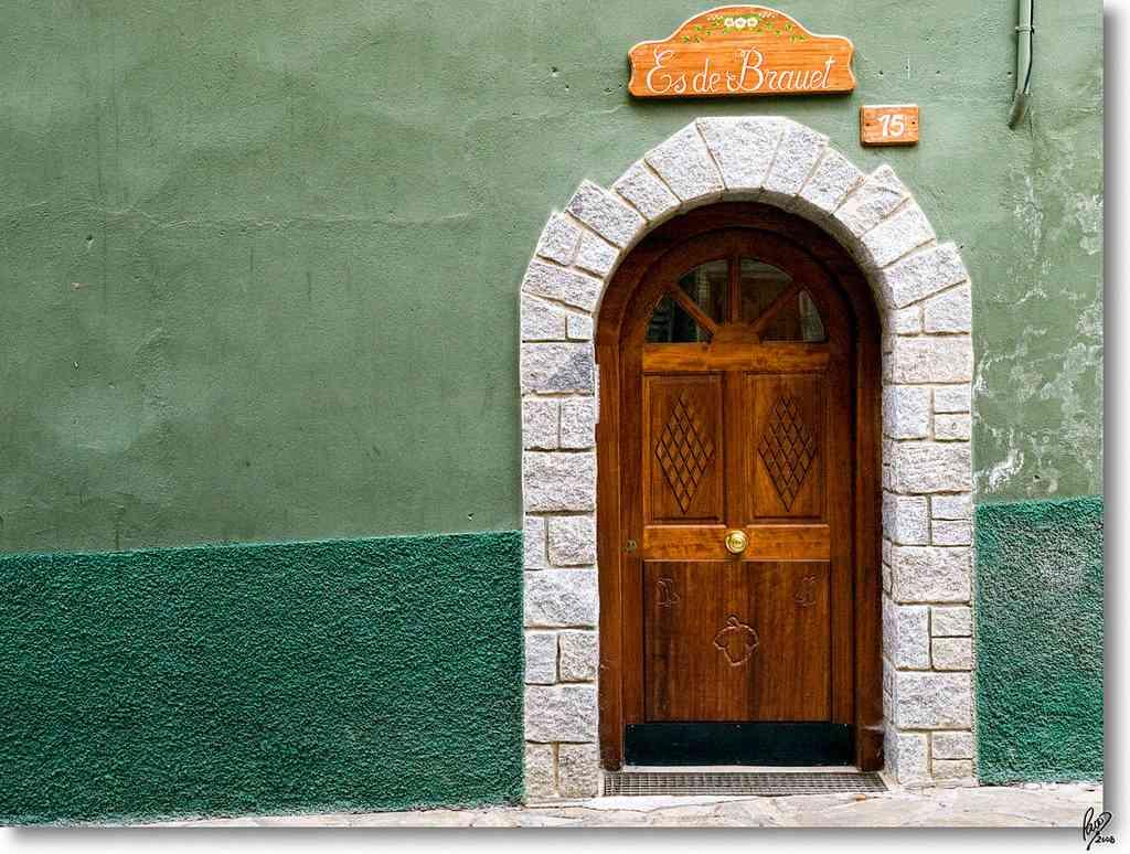 C mo reparar una puerta algunso puntos interesantes for Como arreglar una puerta de madera