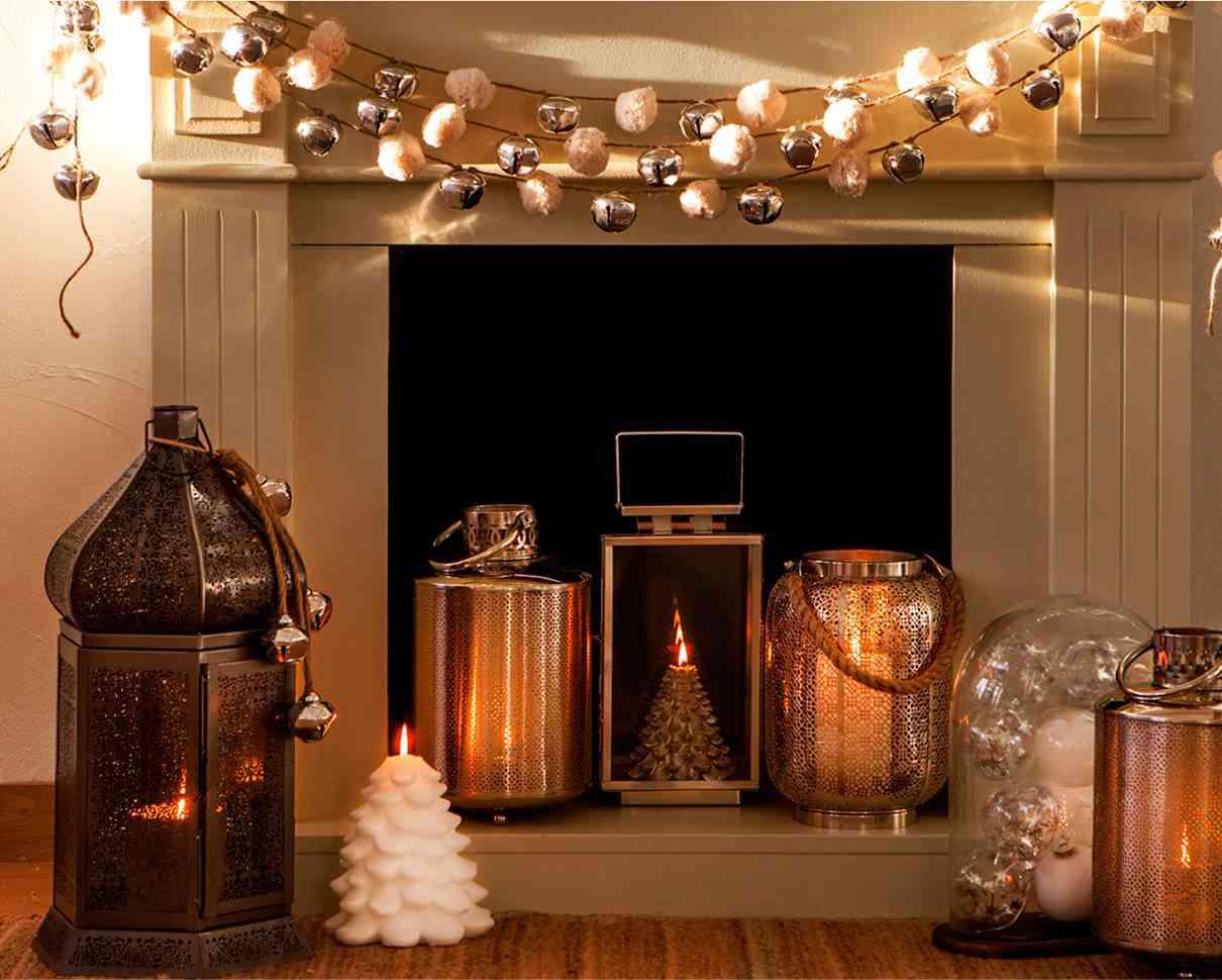 ideas para decorar una chimenea con estilo navideño