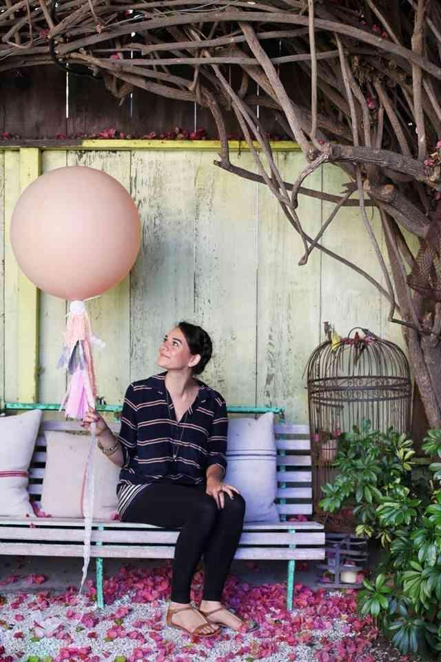 mujer en porche