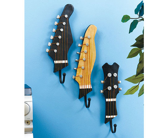 Cómo hacer unas perchas de pared originales con guitarras
