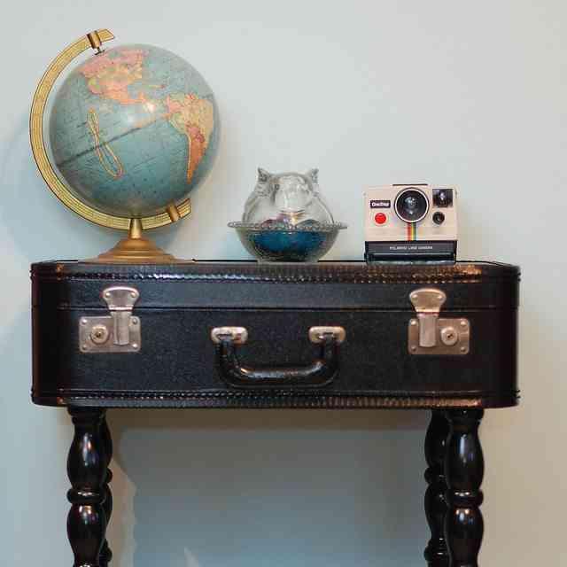 reciclar una maleta antigua