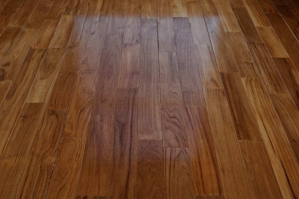 Escoge entre alg n tipo de parquet - Como rejuvenecer un piso antiguo ...