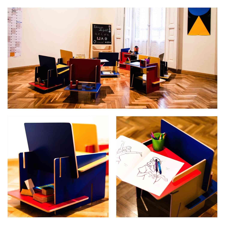 ESSENZA es una silla con mesita y estantes que se transforma en puzle