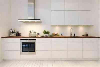 dos cocinas minimalistas en blanco