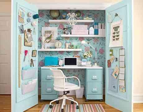 oficina en un armario
