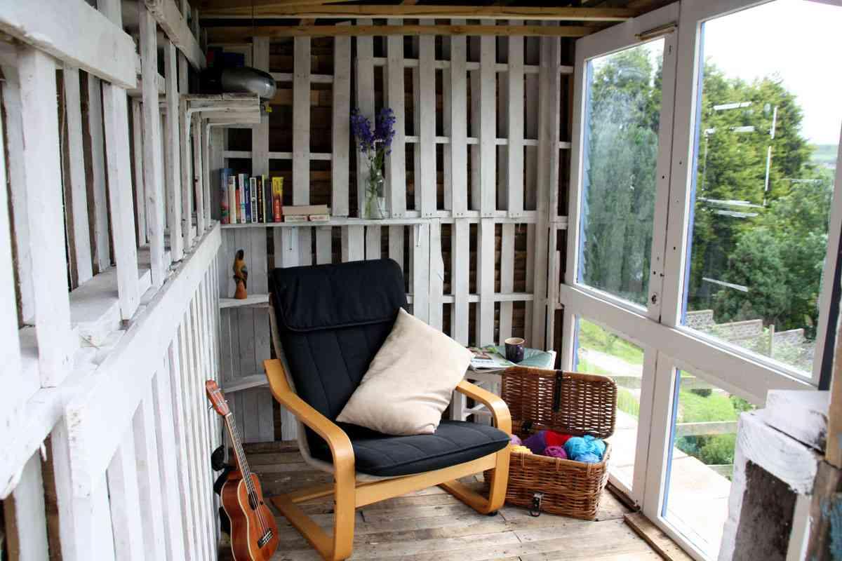 construcción de una casa de palets - interior