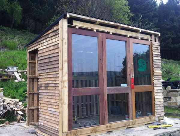 construcción de una casa de palets - caseta de madera