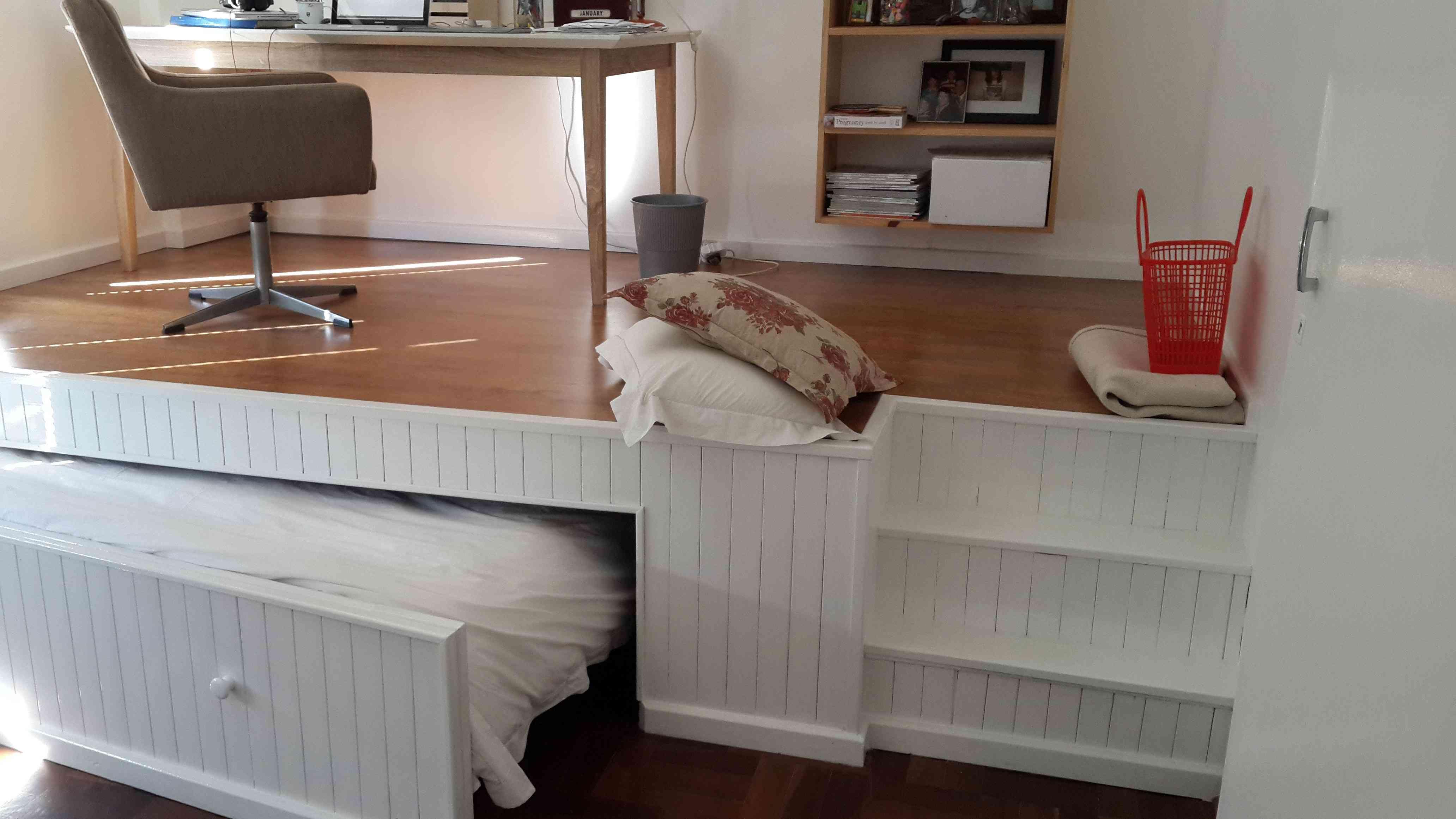 lugar de trabajo dentro del dormitorio