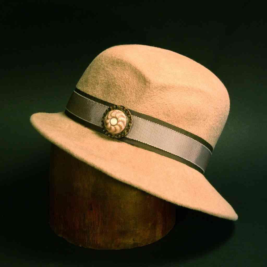 c9710558742f8 Ideas para reciclar un sombrero