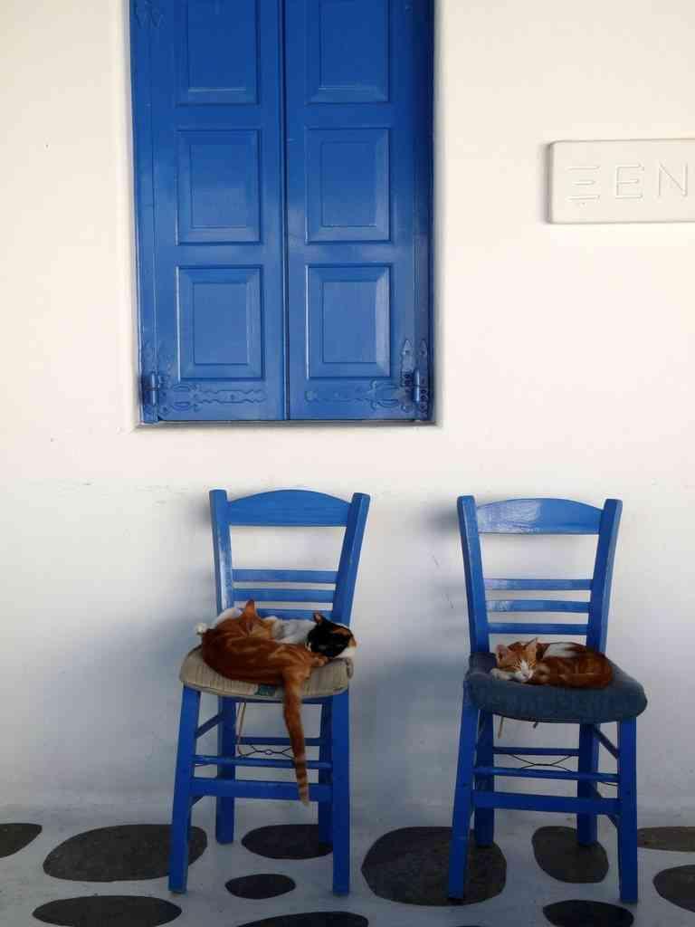 sillas azules