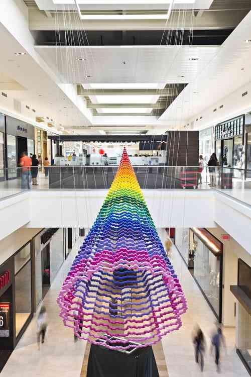 Jean Stark - decoración origami en centros comerciales