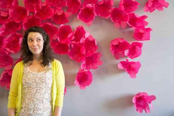 Photo call de flores de papel tisu