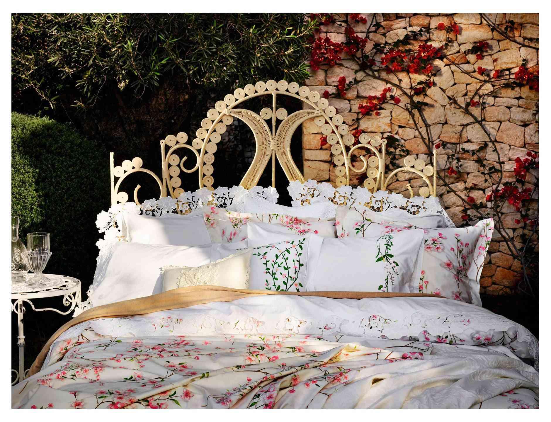cama con textil floral - Zara Home