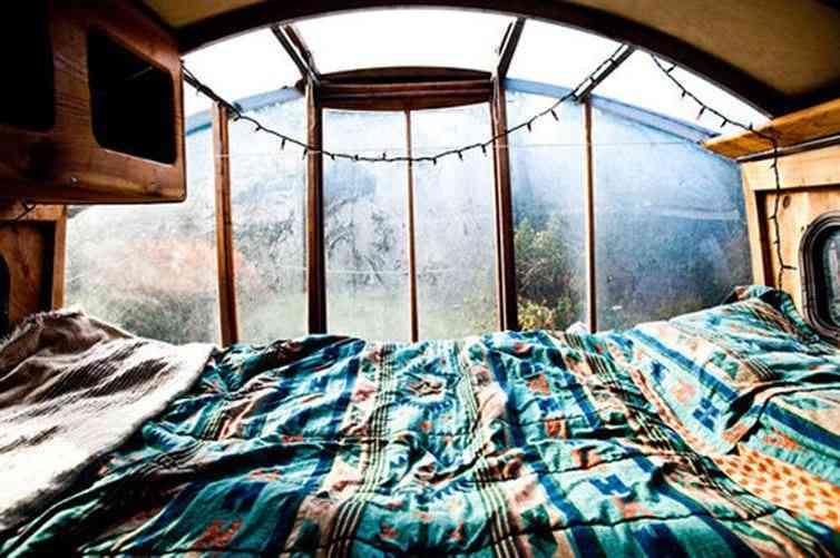 Acogedora habitación con vistas.
