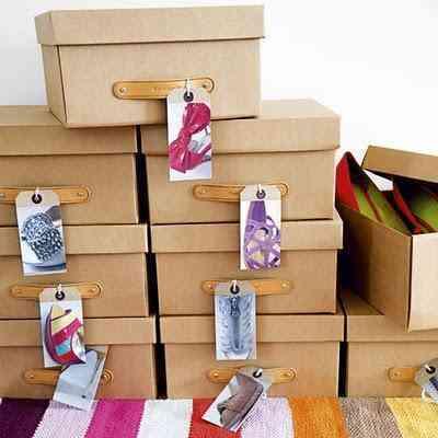 cajas con etiquetas