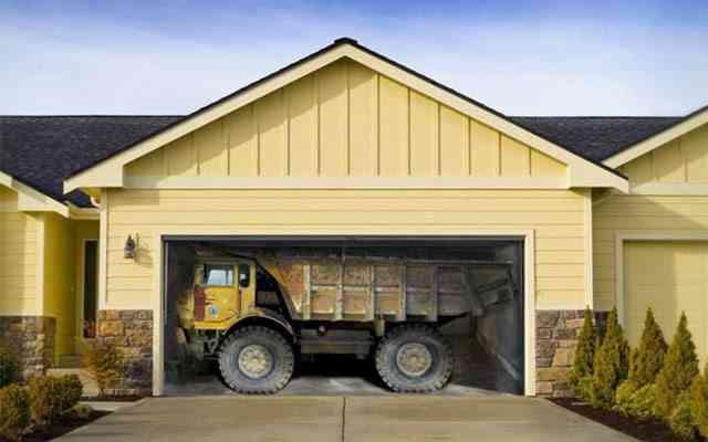 mural 3d simulando que nuestro garaje aloja un gran camion
