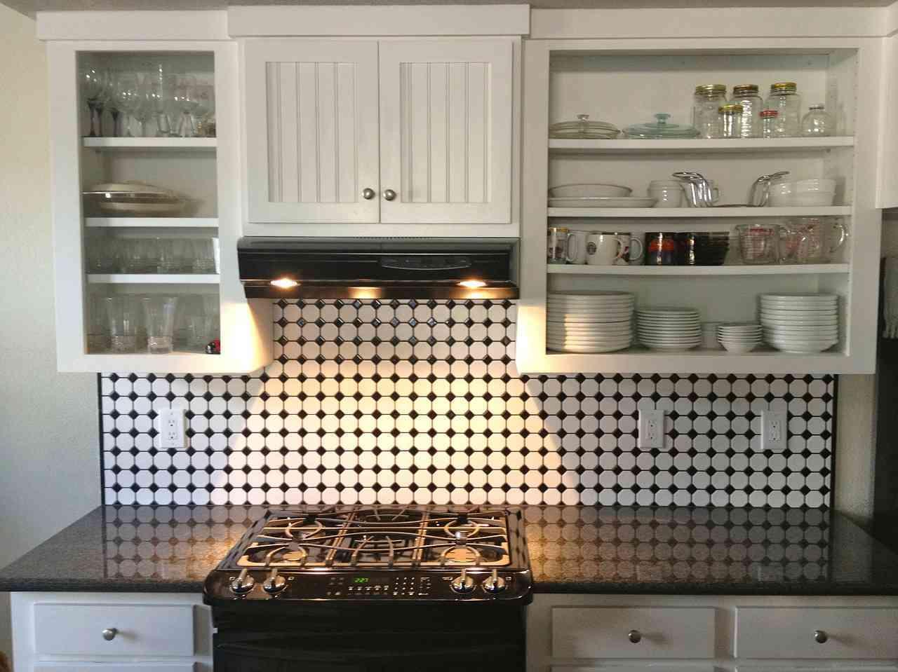 Como Transformar Cocinas Pequenas Con Pintura Para Azulejos - Azulejos-de-cocina-pintados
