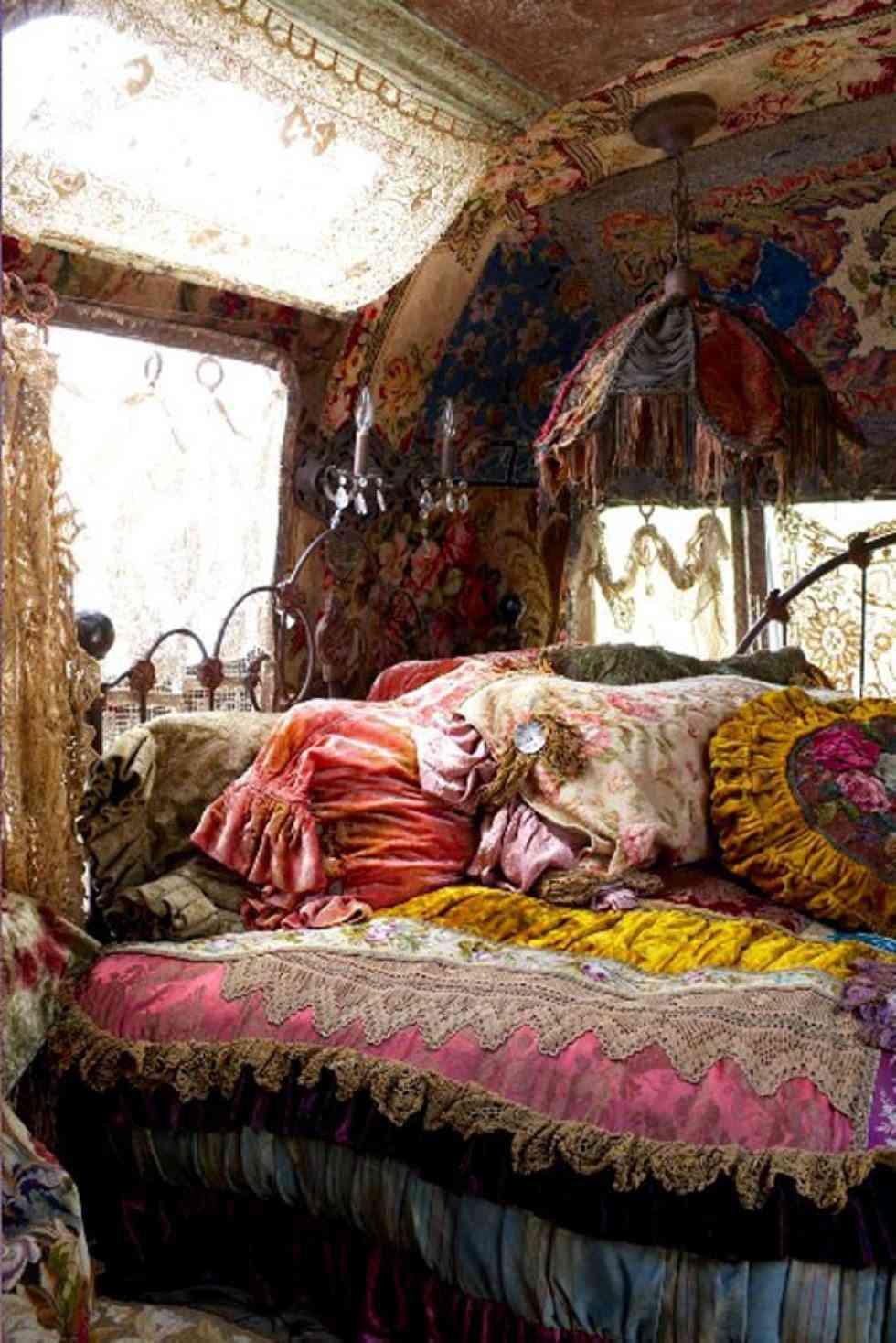 Una cueva de colores. ¿Te imaginas dormir aquí todas las noches?