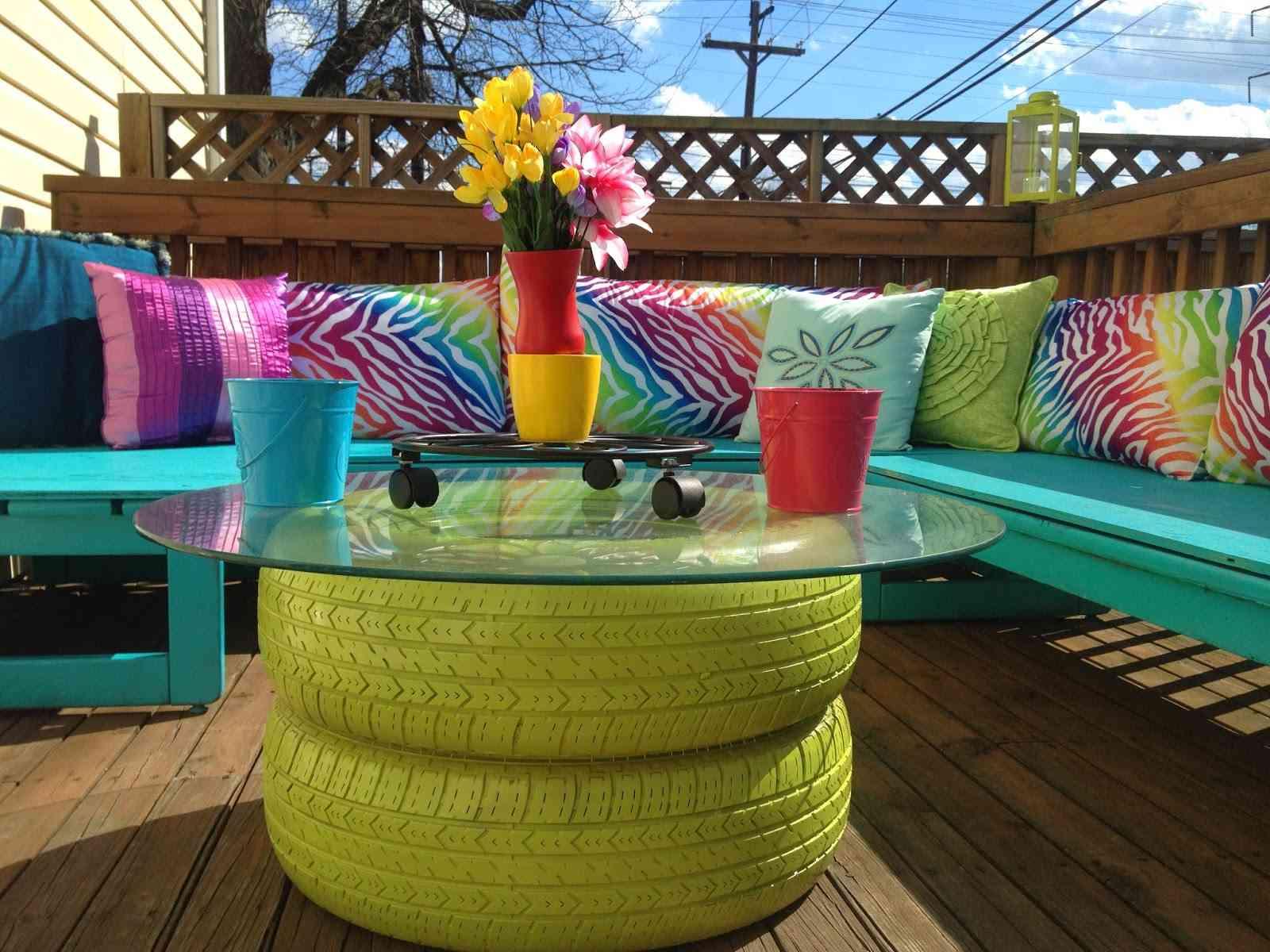 muebles para exteriores diy una mesa con neumticos reciclados