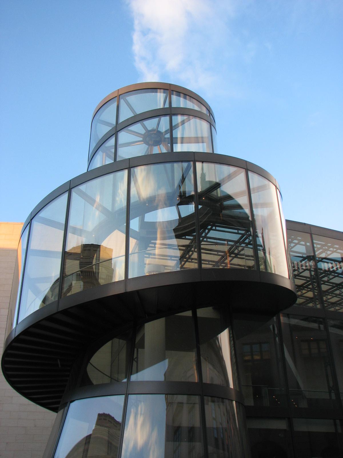 NOVO, escaleras de cristal