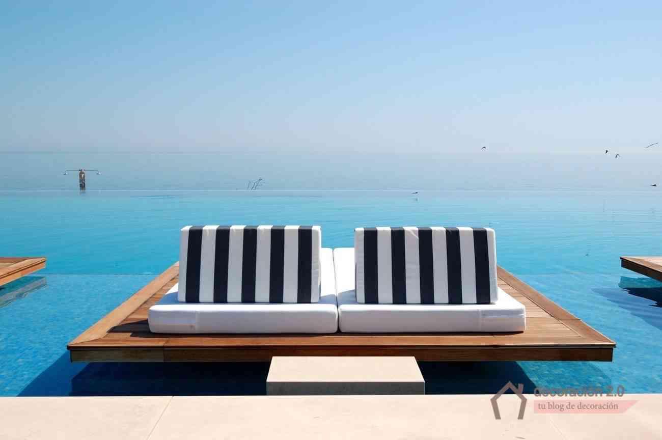Piscinas impresionantes ideas para construir una en tu hogar for Hamacas de piscina