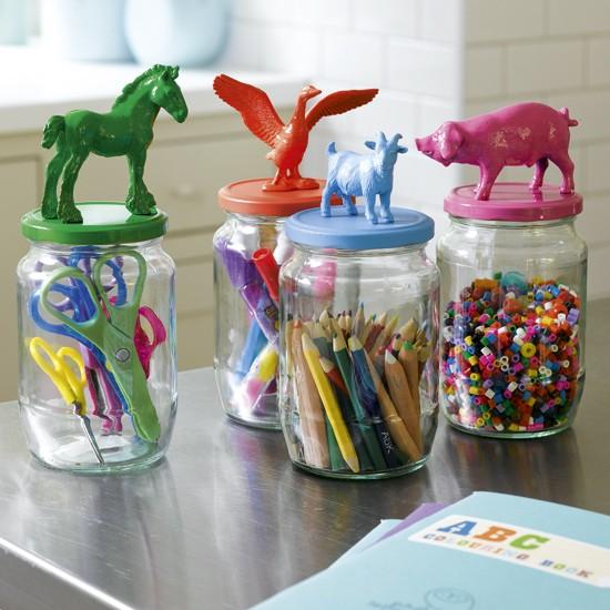 utilizar tarros de cristal - organizadores para los pequeños de la casa