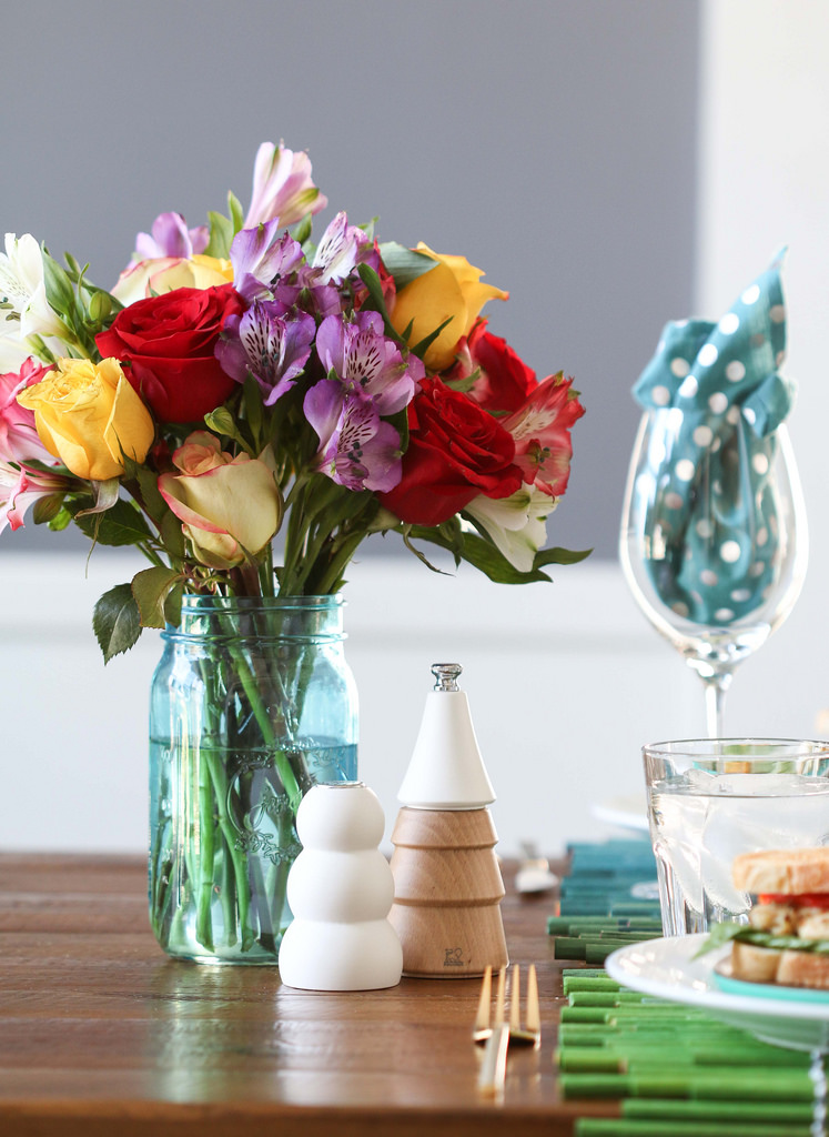 utilizar tarros de cristal - Jarrón con flores