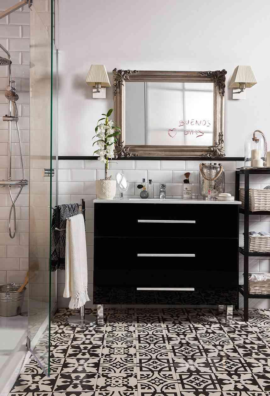 baño romántico revestimientos delicados