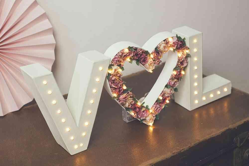 boda vintage iniciales luminosas