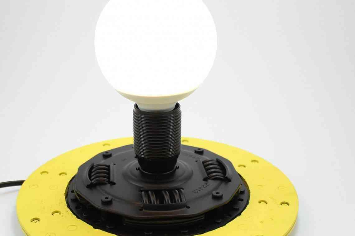 lampara hecha de embrague