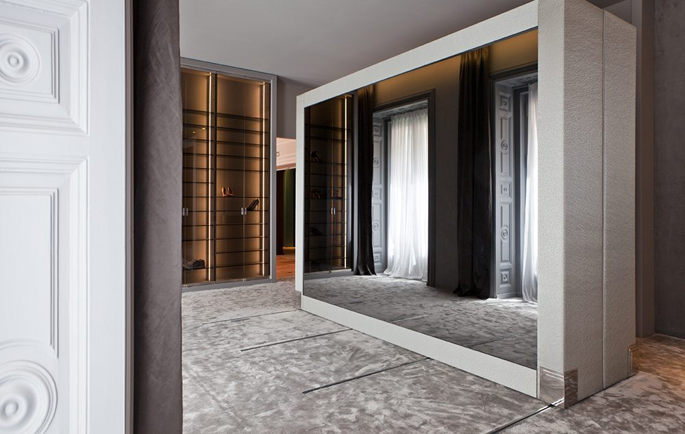 vestidor de lujo de sara folch automatizado