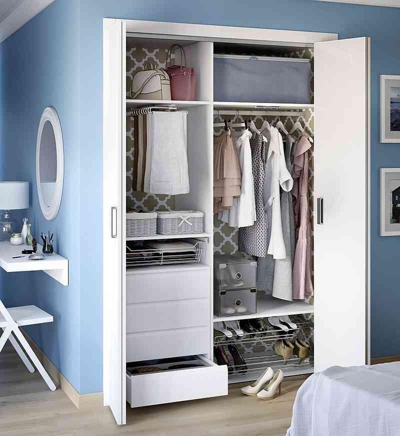 C mo lograr armarios ordenados y aprovechar el espacio - Decorar armario empotrado ...