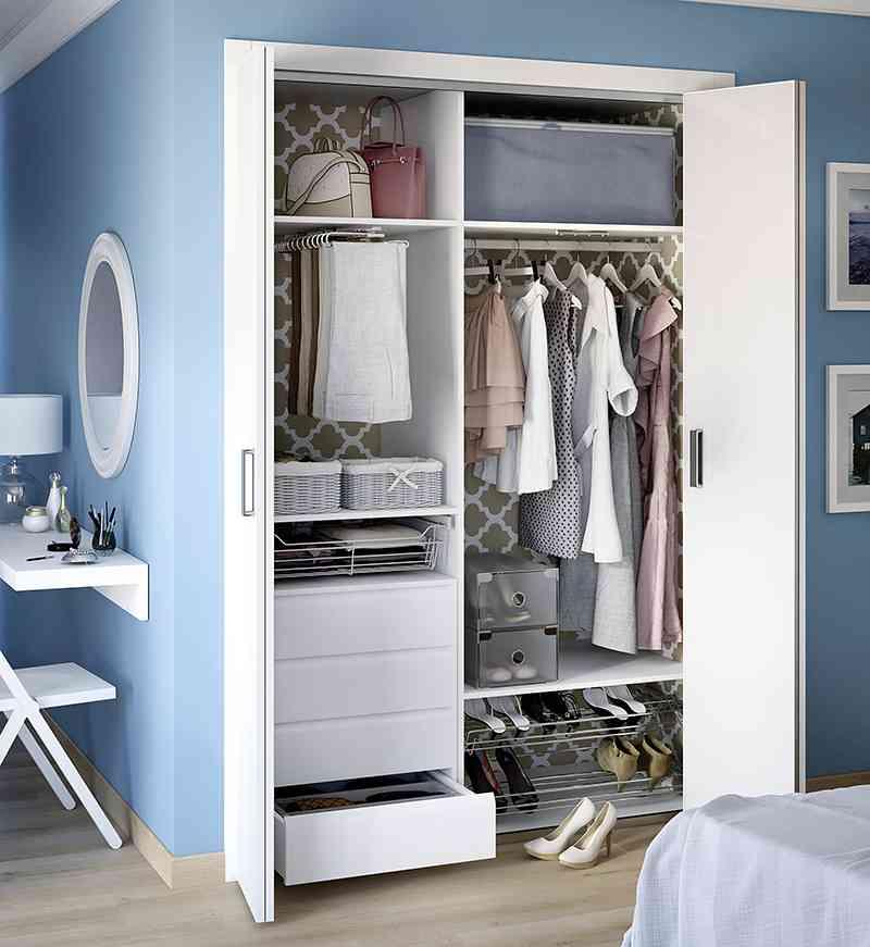 C mo lograr armarios ordenados y aprovechar el espacio - Como forrar un armario por dentro ...
