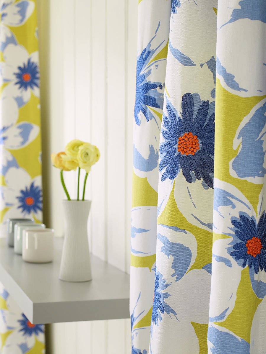 estampados florales cortinas baja