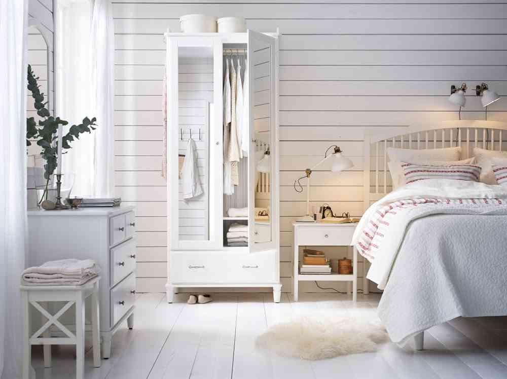 decoracion de una casa de playa cuarto blanco ikea