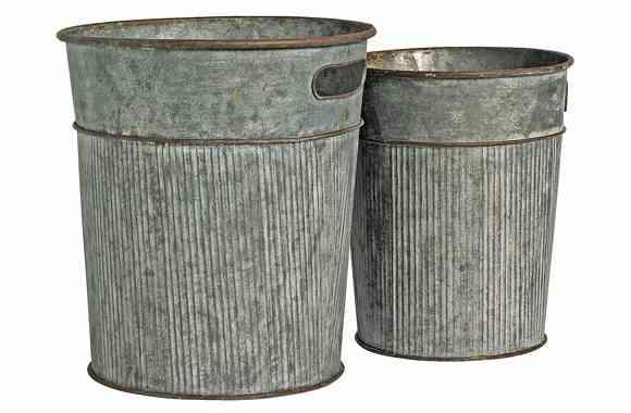 complementos rústicos cubos de basura de Car Mobel