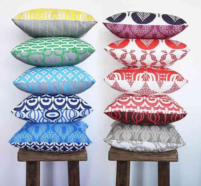 decorar con cojines mil colores