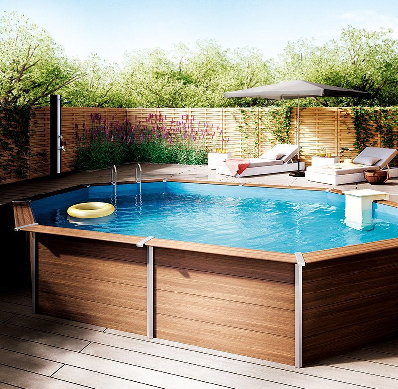 piscina en casa de madera en superficie