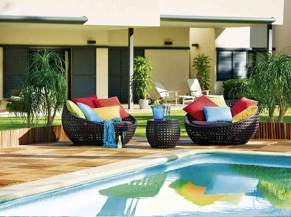 C mo hacerte con una piscina en casa de lujo for Imagenes de piscinas bonitas