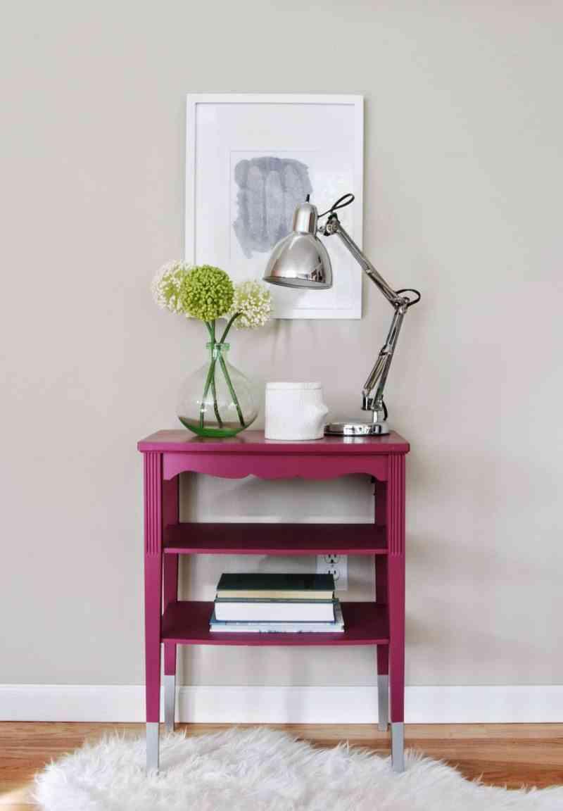 muebles con color mesa magenta de frente