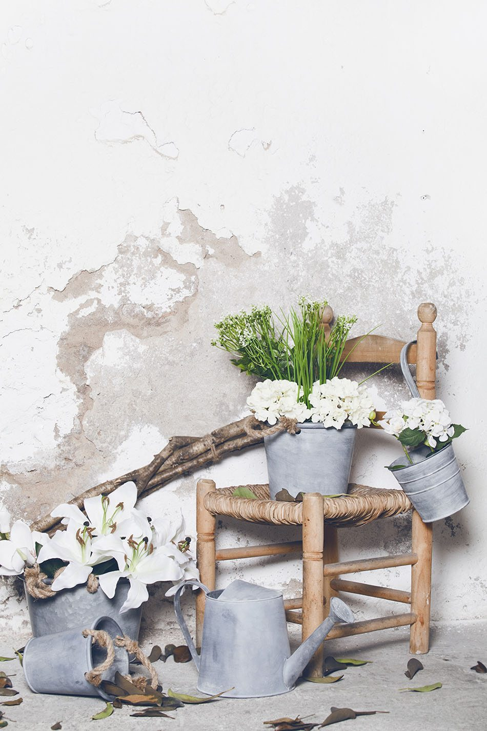 complementos rústicos muy mucho piezas con silla y flores