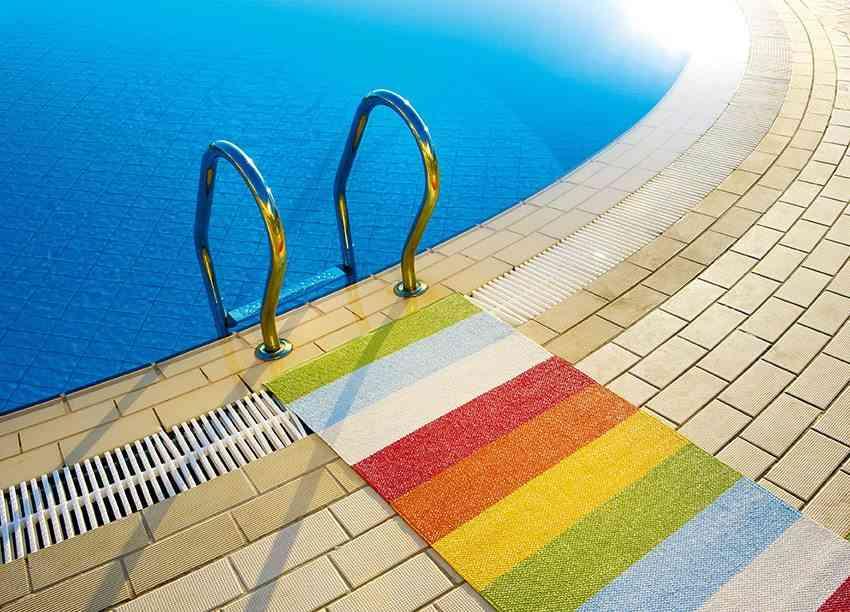 piscina en casa Teppich Molly multi complementos