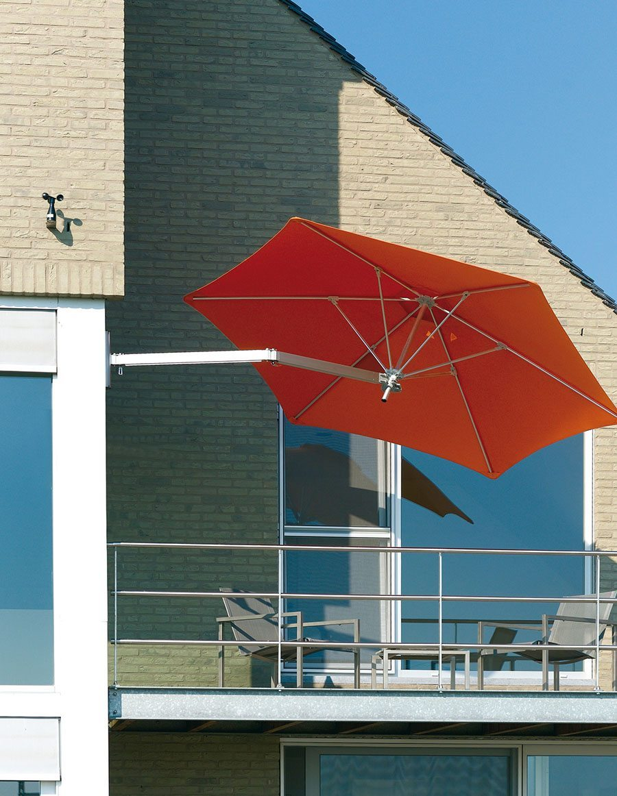 parasoles y sombrillas para espacios reducidos toldo de la terraza ksl living naranja de pared