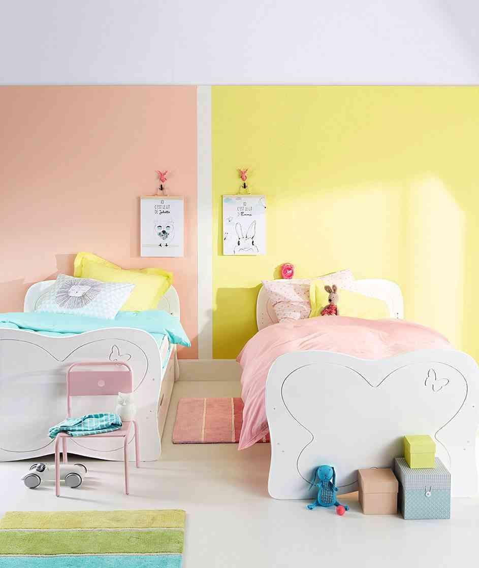 nueva colección de textiles vertbaudet dos camas amarilla y rosa