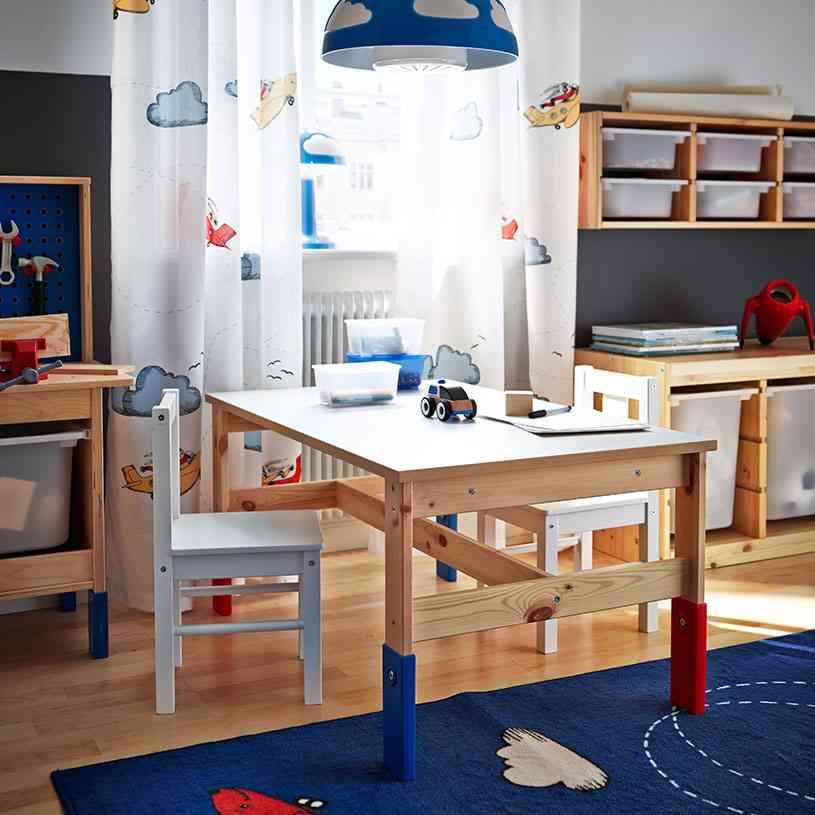 Claves para elegir las cortinas infantiles m s bonitas for Sillas para dormitorio ikea