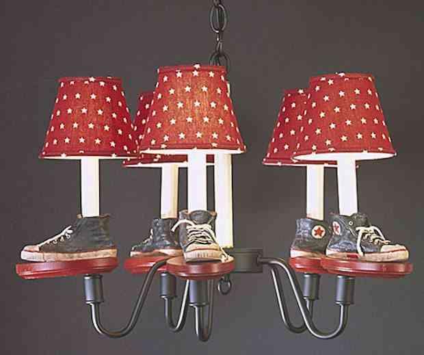 lámpara de brazos con zapatillas