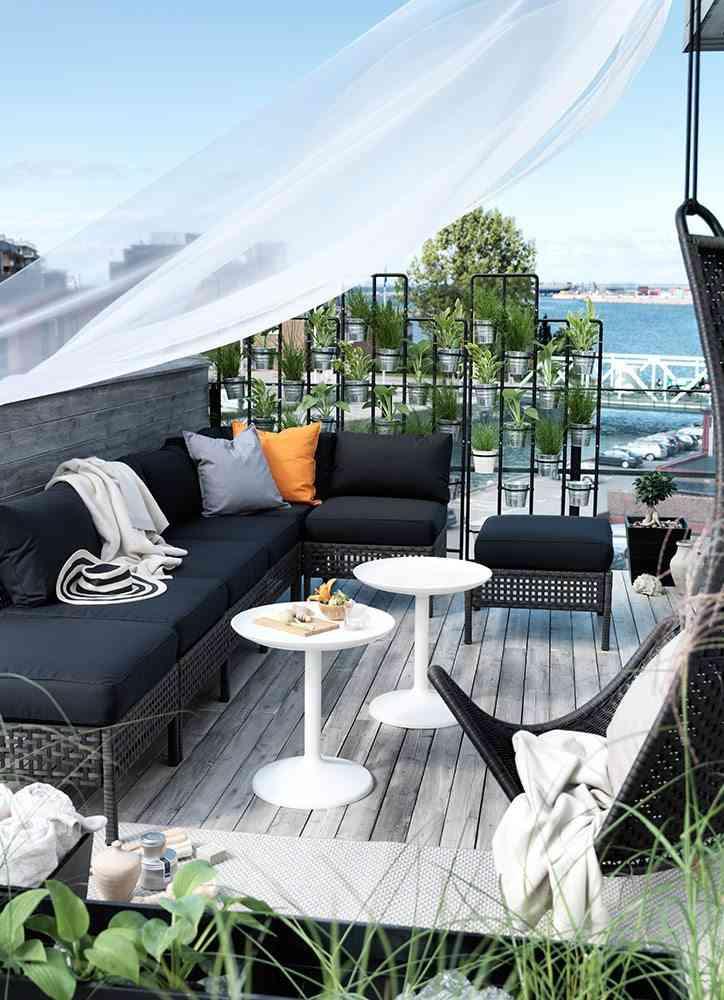 decoracion de terrazas en aticos ikea muebles negros
