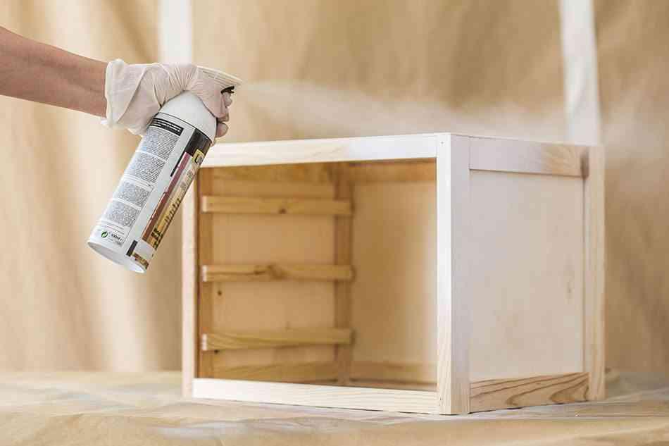 pintar una cajonera de madera cajonera pintando estructura