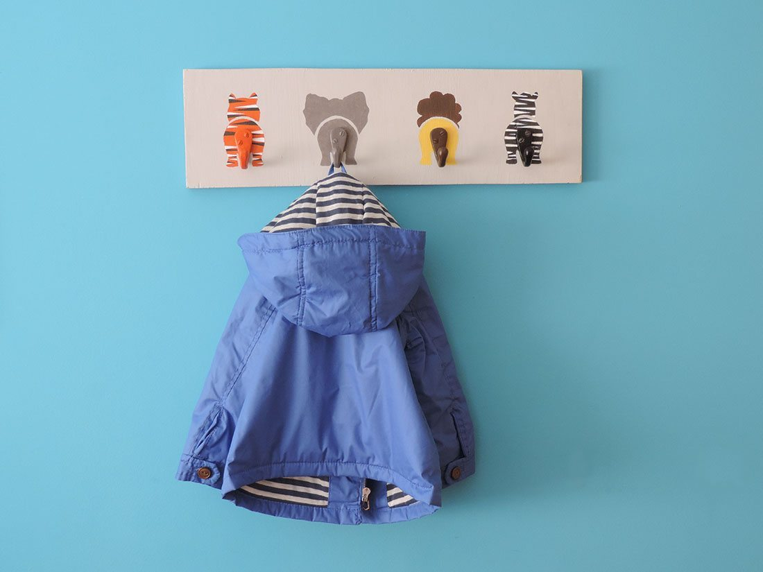 perchero infantil final horizontal chaqueta