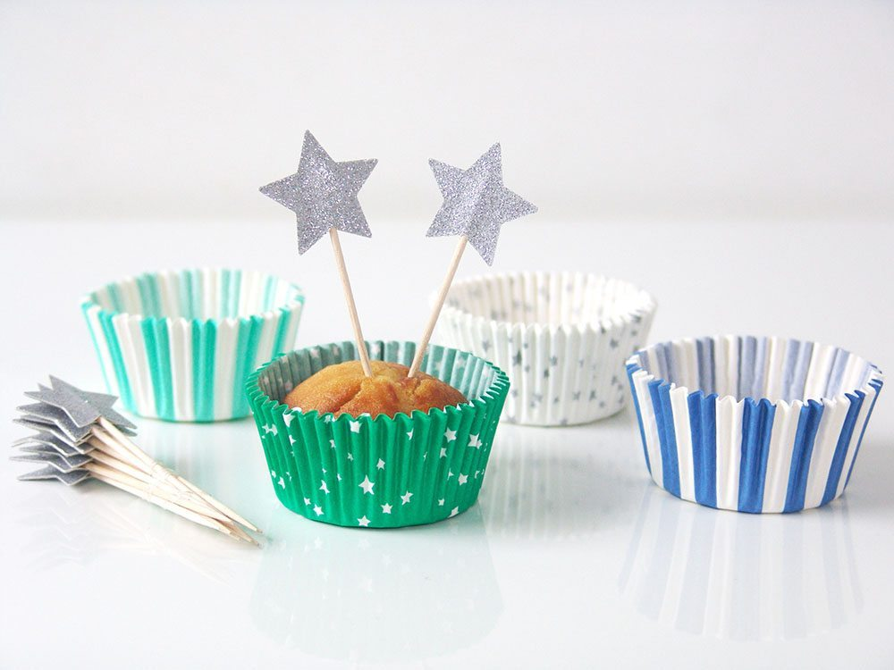 ideas para decorar un bautizo Kit cupcake bleu toppers etoiles
